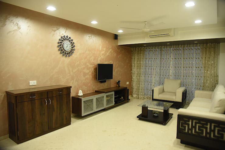 Deshmukh Residence:  Living room by Ornate Consultants