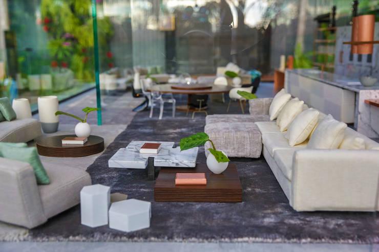 Living: Sala de estar  por Brunete Fraccaroli Arquitetura e Interiores