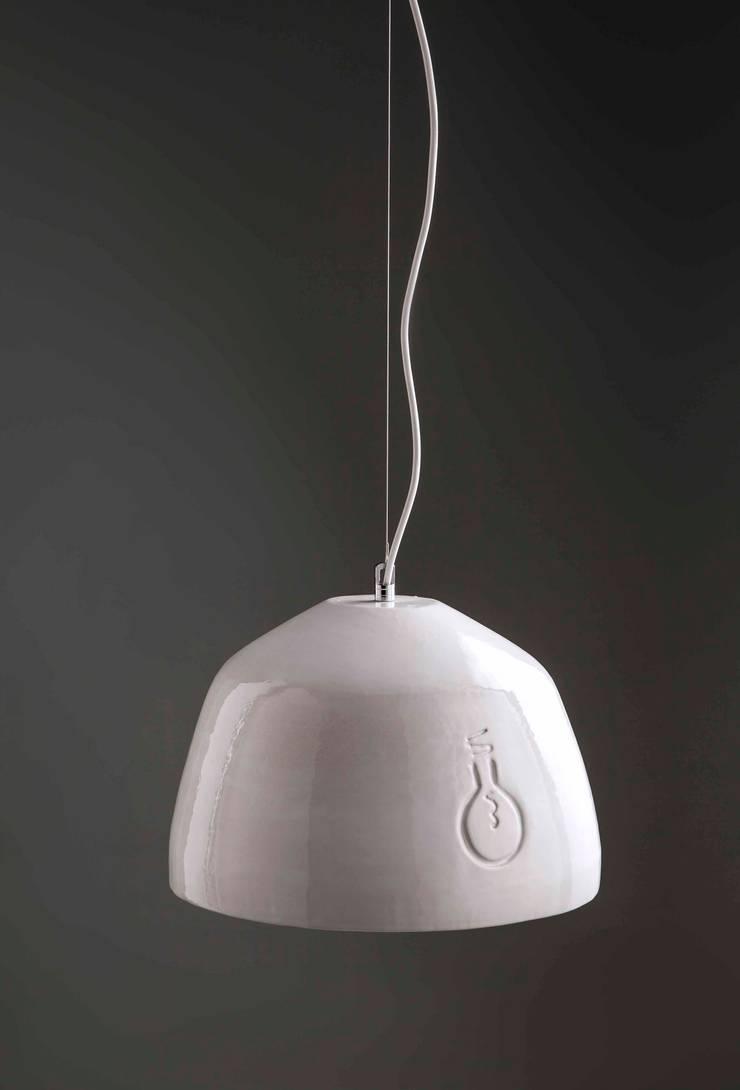 Bulb: Cocinas de estilo  por Mags Design,