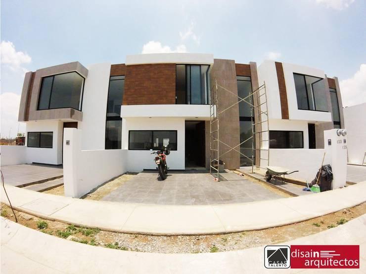 Casas Talento 2N ( ENA, STIRI, BELA): Casas de estilo  por disain arquitectos