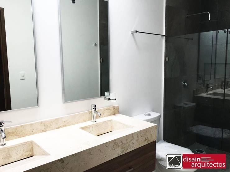 Bathroom by disain arquitectos