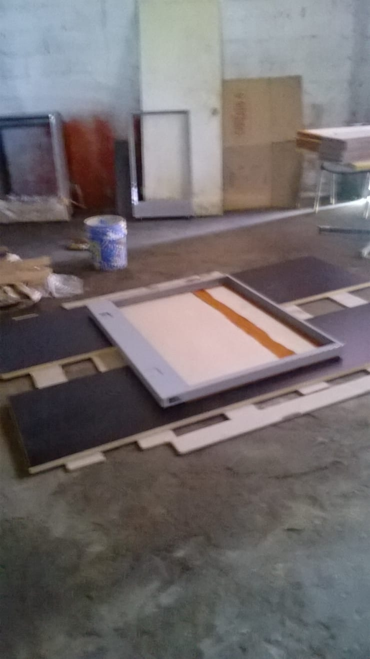 Mampara en ensamble.: Oficinas y tiendas de estilo  por Muebles Modernos para Oficina, S.A.