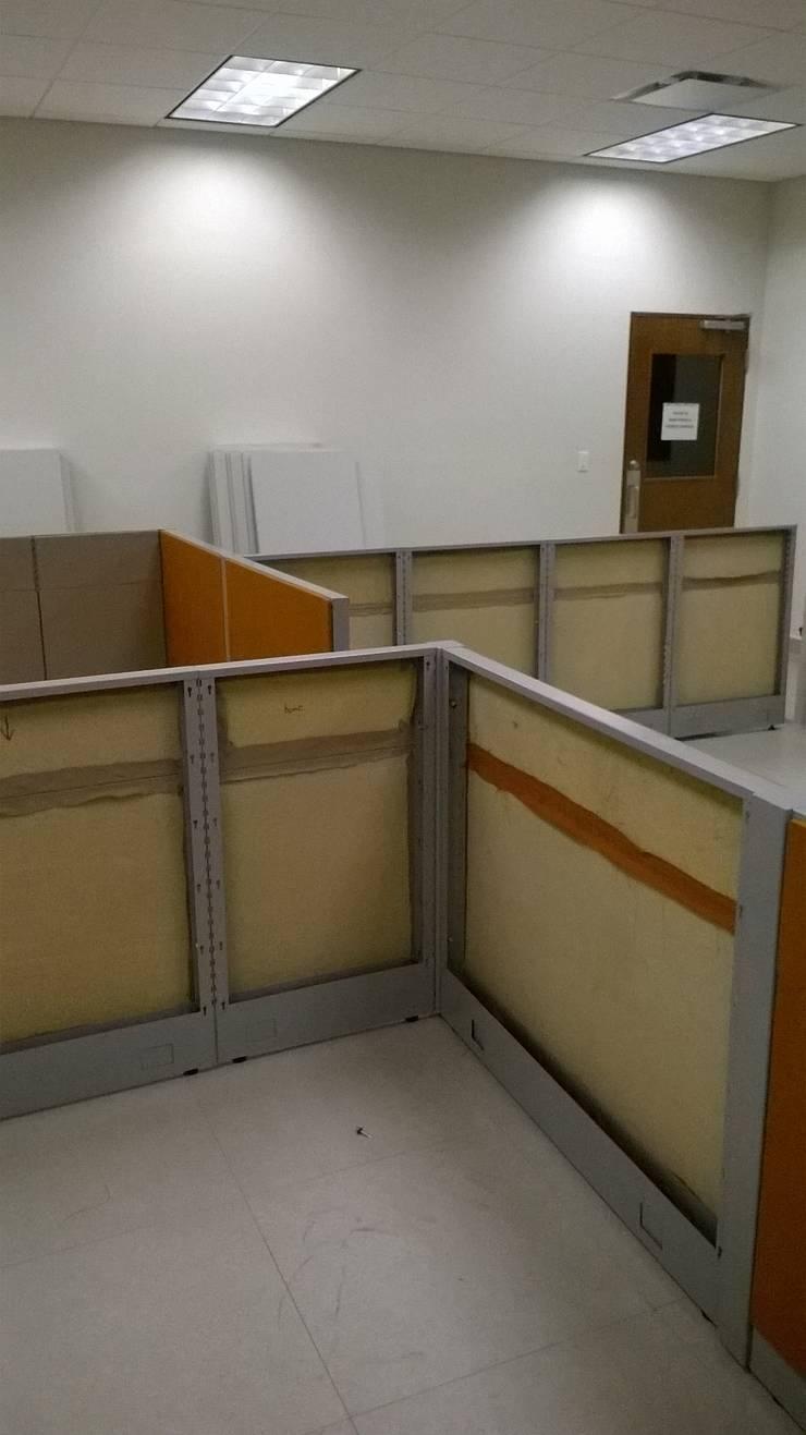 Comenzando instalacion de Mamparas: Oficinas y tiendas de estilo  por Muebles Modernos para Oficina, S.A.