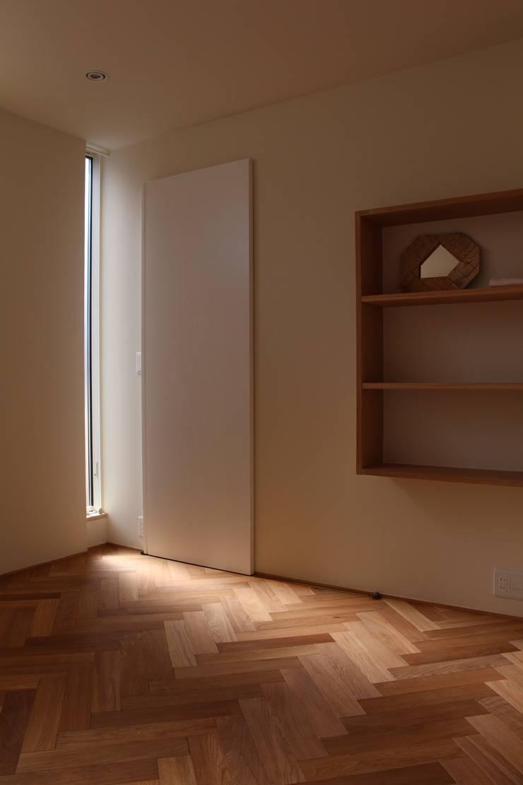 Dinding oleh Mimasis Design/ミメイシス デザイン, Eklektik Kayu Wood effect