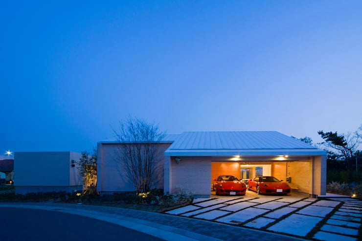 Double Garage by Kenji Yanagawa Architect and Associates
