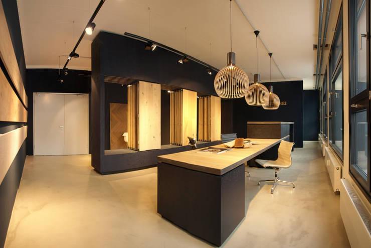 Estudios y oficinas de estilo  por Viktor Filimonow Architekt in München