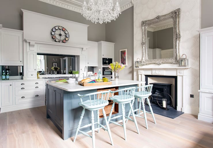 Cocina de estilo  por Sculleries of Stockbridge