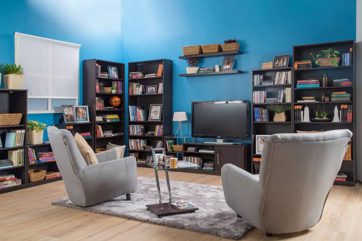 Sala multi media : Salas de estilo  por Idea Interior