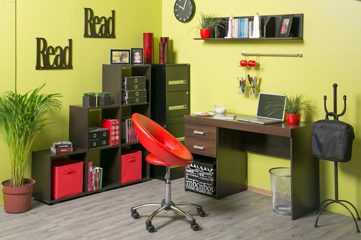 Estudio en casa: Estudio de estilo  por Idea Interior