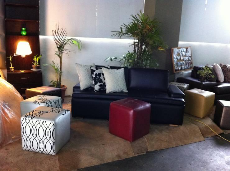 Mueble: Salas/Recibidores de estilo  por Decoraciones Santander