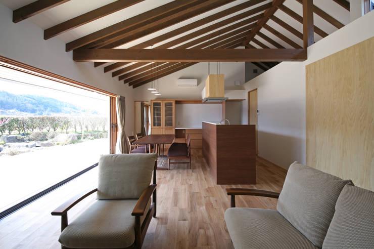 ห้องนั่งเล่น by 設計事務所アーキプレイス