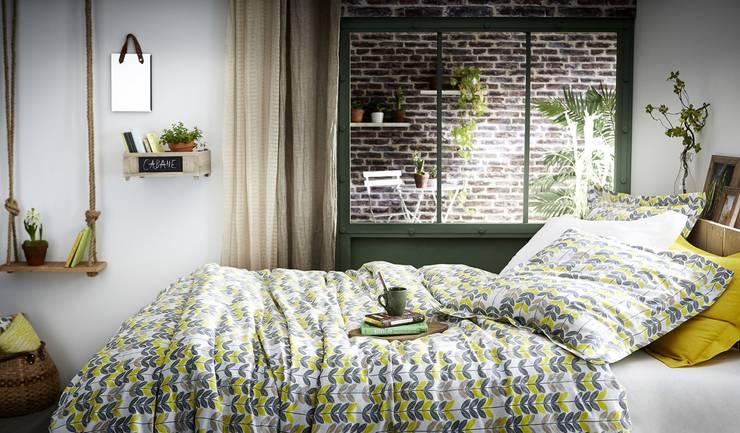 Dormitorios de estilo rural por VOGLIACASA.IT