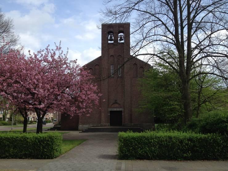 klokkentoren: modern  door OVT ONTWIKKELING BV, Modern