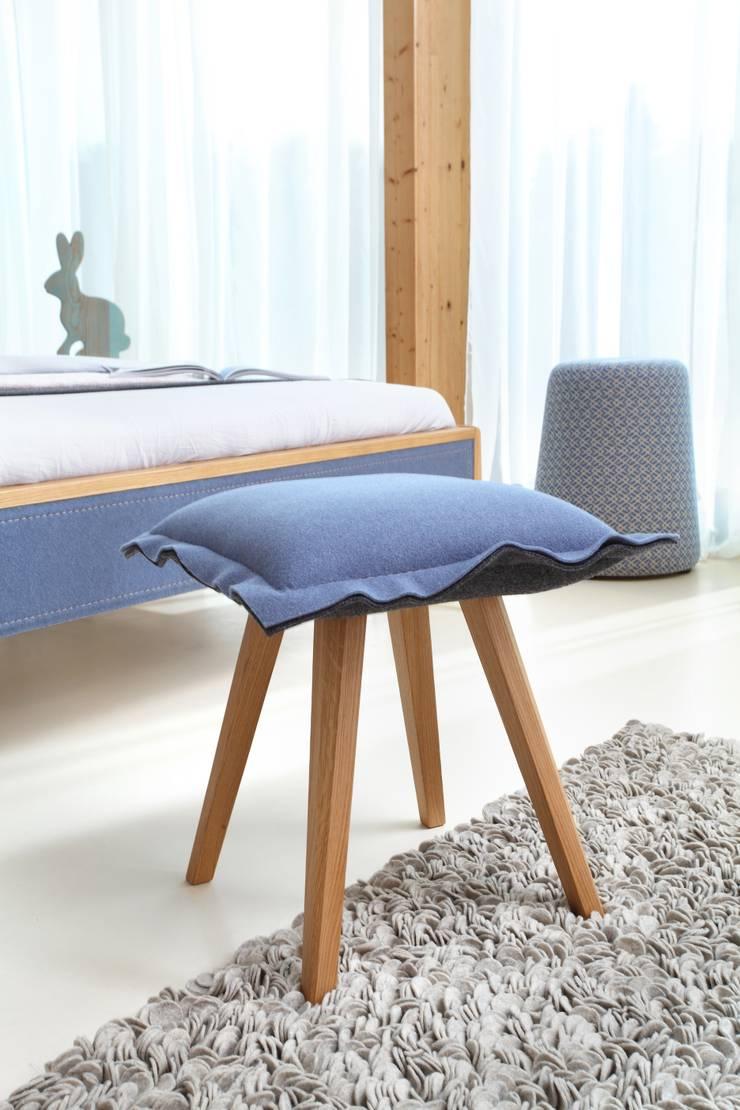 Skey – filc w nowej odsłonie: styl , w kategorii Sypialnia zaprojektowany przez Swarzędz Home