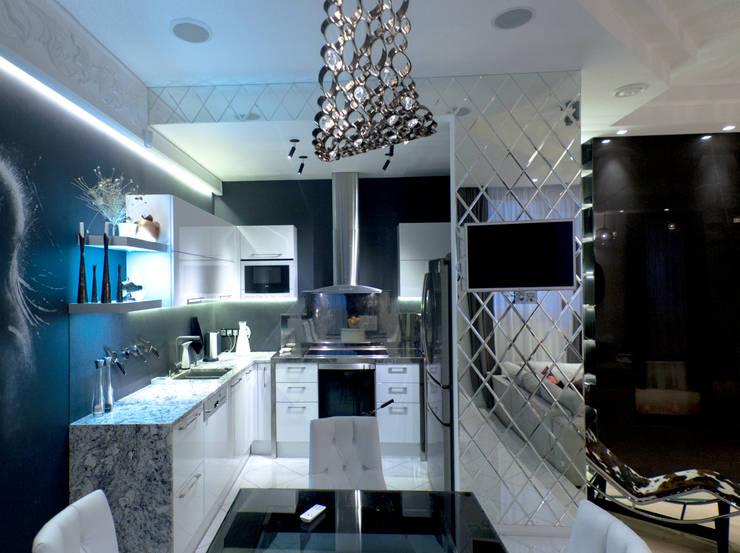 Дизайн-проект двухуровневой квартиры на Каменноостровском: Кухни в . Автор – DEMARKA