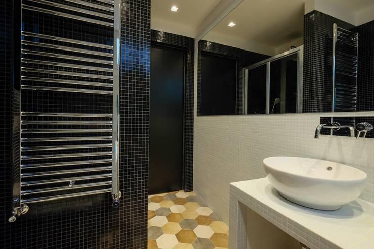 Loft [SAM]: Bagno in stile  di Matteo Gattoni - Architetto