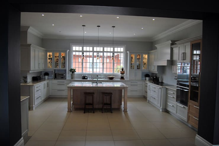 New Kitchen- February 2016:  Kitchen by Capital Kitchens cc, Classic