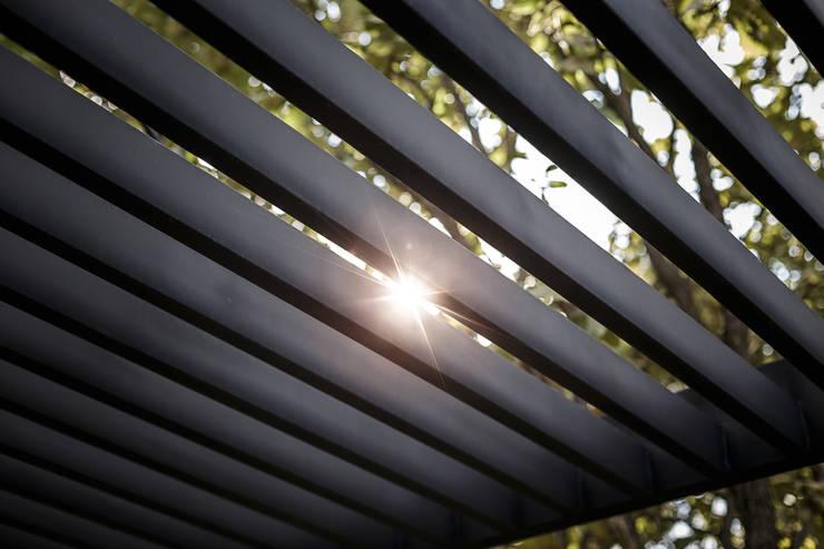 Bosques de Bugambilias: Terrazas de estilo  por 2M Arquitectura