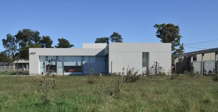 Casa 460: Casas de estilo  por reimersrisso