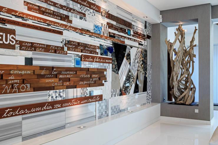 Moradia Algarve 2013: Salas de estar  por Atelier  Ana Leonor Rocha