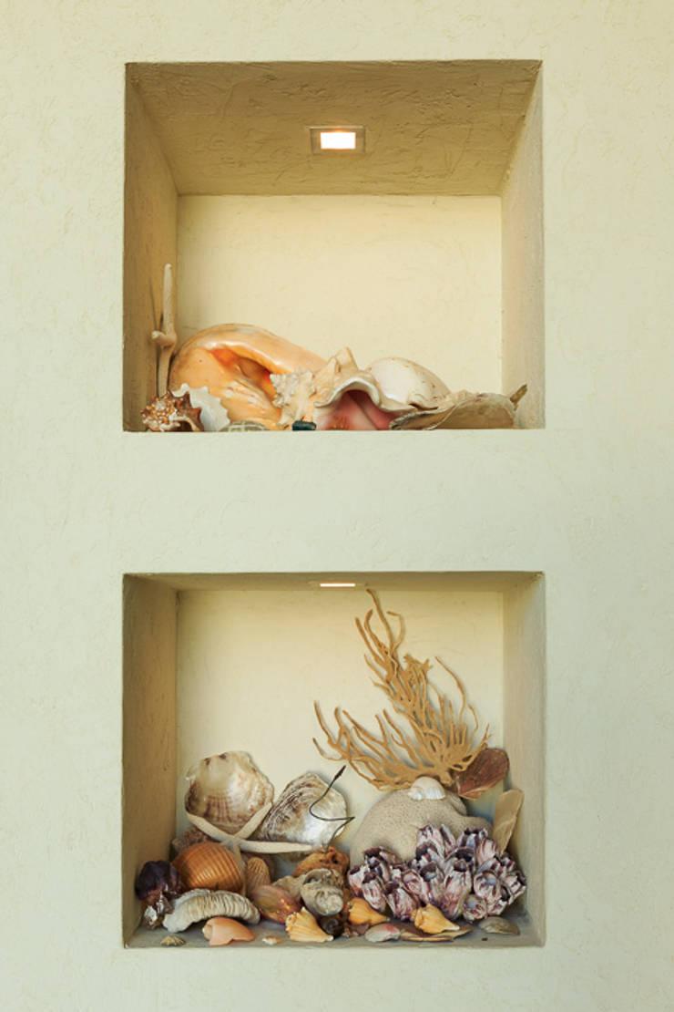 Moradia Algarve 2012: Salas de estar  por Atelier  Ana Leonor Rocha