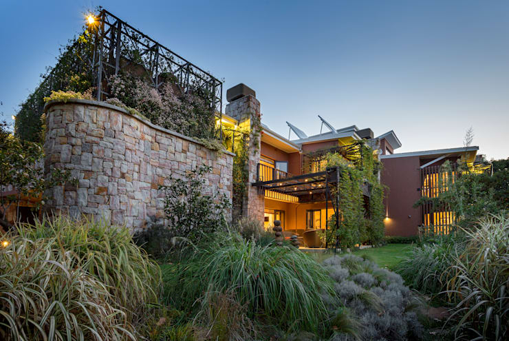 House Jones:  Houses by Environment Response Architecture, Eclectic