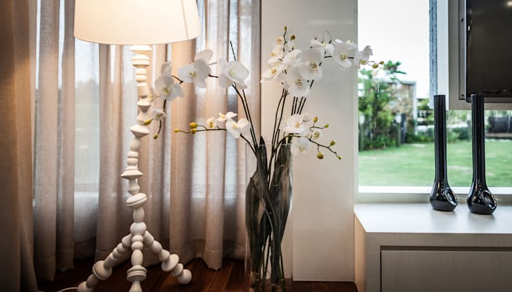 minimalistische Woonkamer door Design Spirits