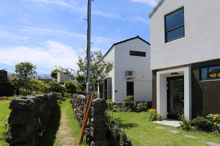 별아도: 아키제주 건축사사무소의  주택,모던