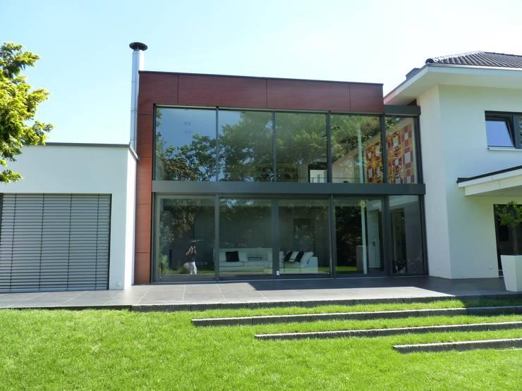 Projekty, nowoczesne Domy zaprojektowane przez mussler gesamtplan gmbh