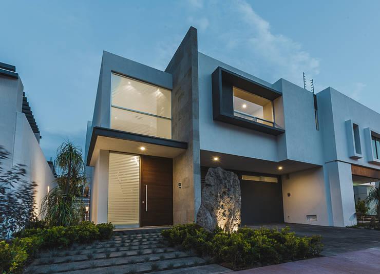 Casas de estilo  por 2M Arquitectura