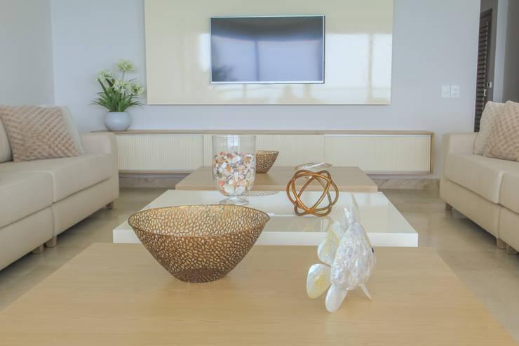 Proyecto sala: Salas de estilo  por Monica Saravia