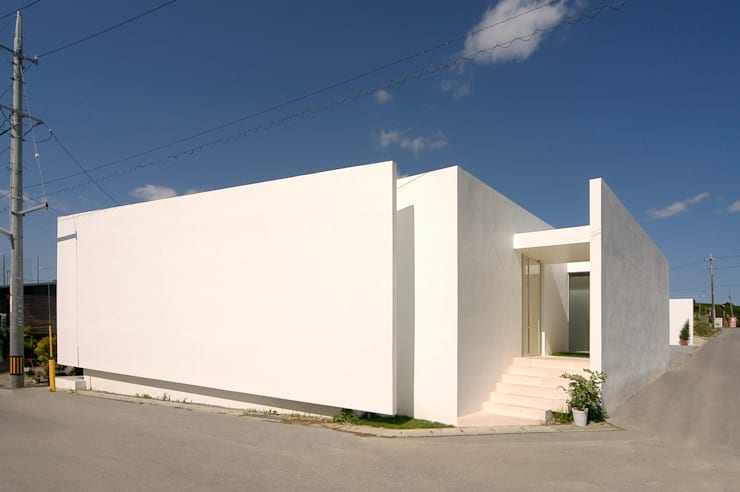 Minimalist houses by 門一級建築士事務所 Minimalist Reinforced concrete