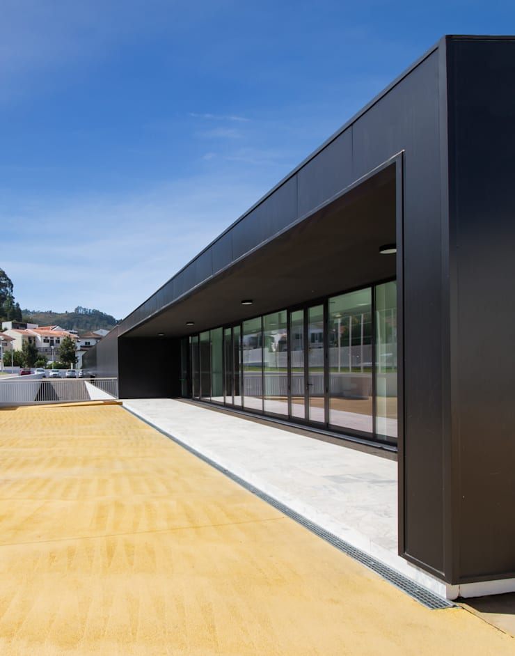 Escola Básica de Vizela: Escolas  por ARTEQUITECTOS