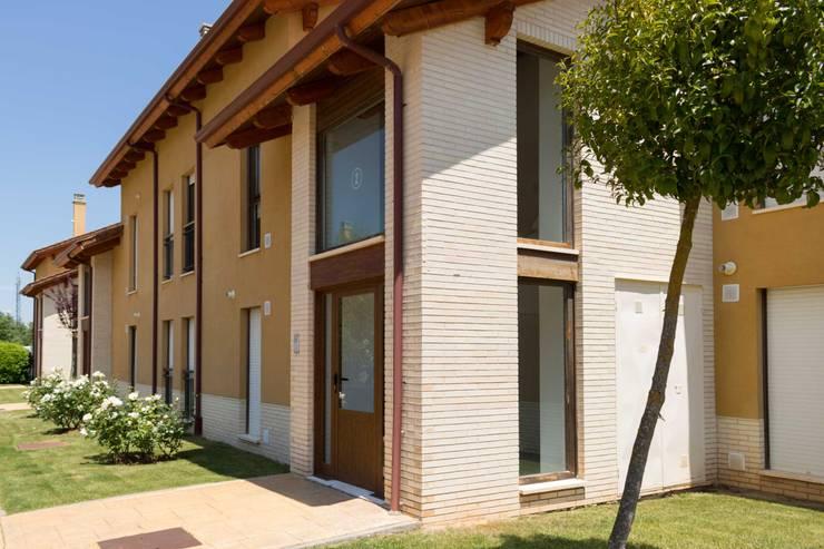 Casas clássicas por Become a Home