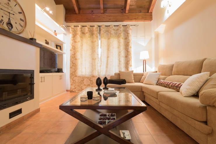 غرفة المعيشة تنفيذ Become a Home