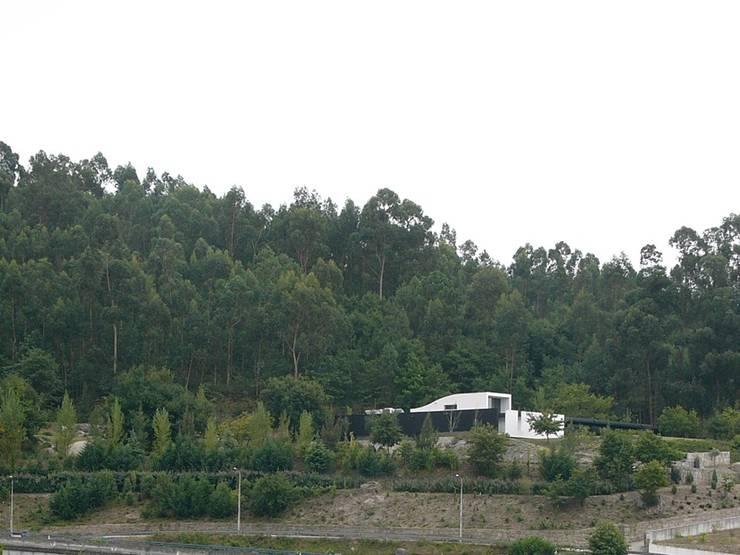 HABITAÇÃO DF: Casas  por ARTEQUITECTOS