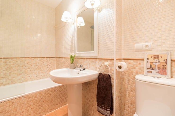 Casas de banho  por Become a Home
