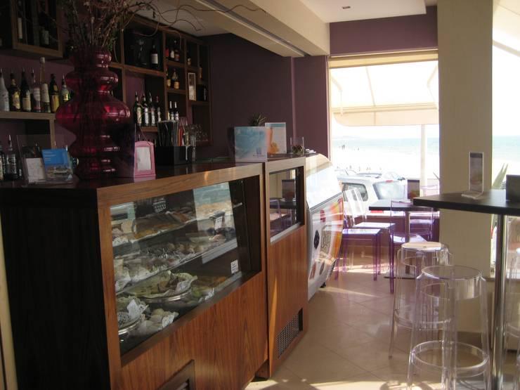 Fortaleza Coffee shop Algarve 2007: Espaços de restauração  por Atelier  Ana Leonor Rocha