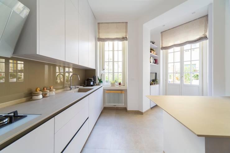 Cucina: Cucina in stile  di Manuel Benedikter Architekt