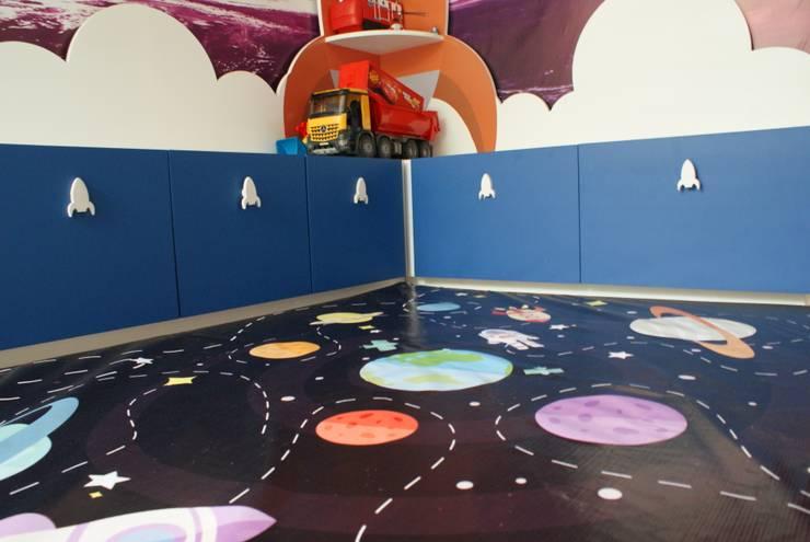 Cuarto Espacial: Habitaciones infantiles de estilo  por Caio Espacios Infantiles