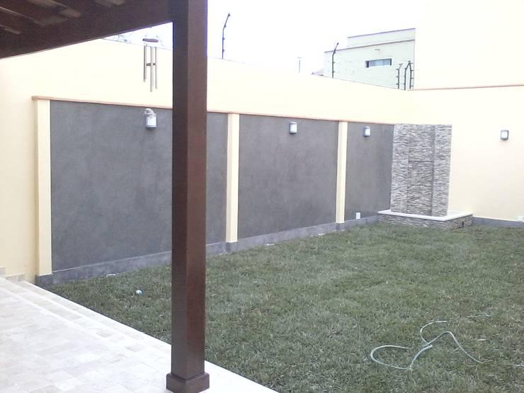 REMODELACIÓN Y AMPLIACION:  de estilo  por BIANGULO DISEÑO Y CONSTRUCCION S.A.C.