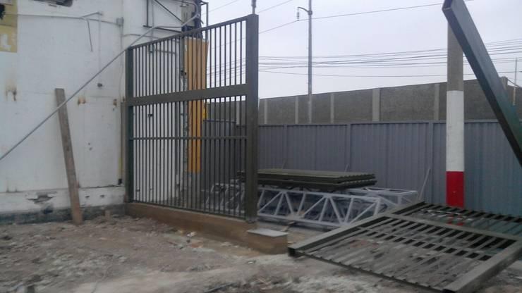 CONTRUCCION DE INGRESO 03 – MINKA CALLAO: Centros comerciales de estilo  por BIANGULO DISEÑO Y CONSTRUCCION S.A.C.