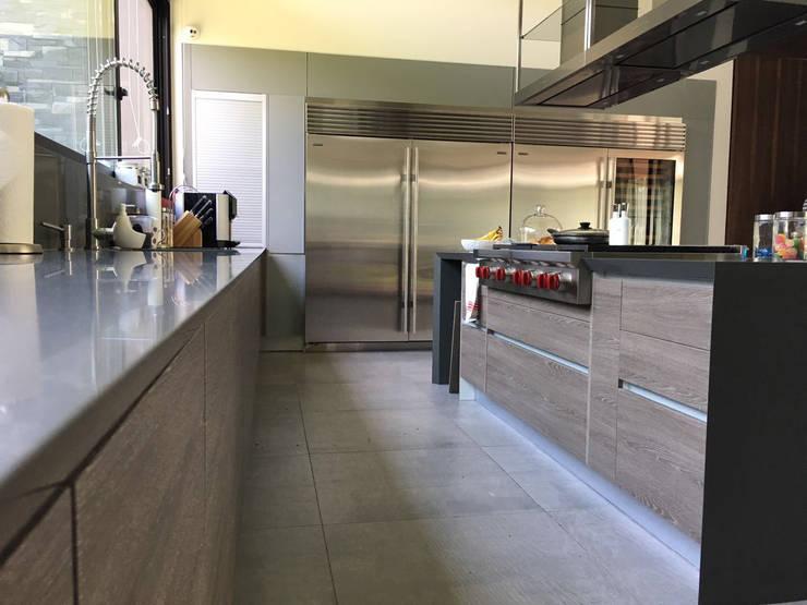 Cucina in stile  di AParquitectos