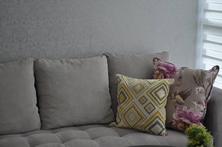 Casa Giralda: Salas de estilo  por Dovela Interiorismo