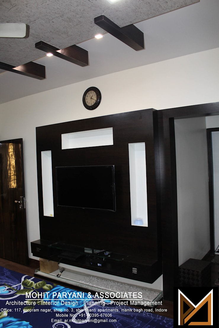 Mr. Jatin Lulla Ji interior :  Bedroom by MOHIT PARYANI AND ASSOCIATES,Modern