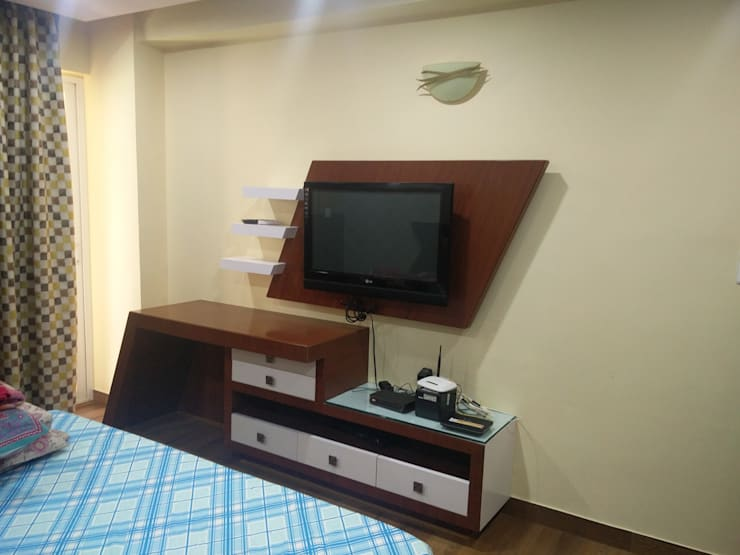 Guest room tv unit: modern Living room by Shape Interiors