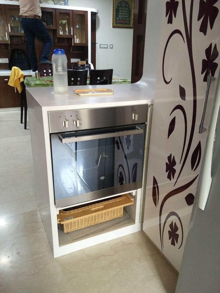 OTG kitchen:  Kitchen by Shape Interiors,Modern