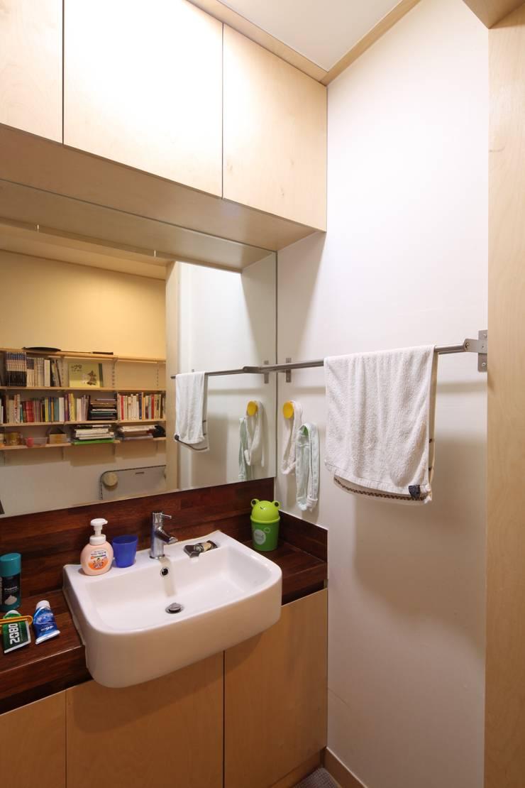 도곡리 주택: 위드하임의  욕실
