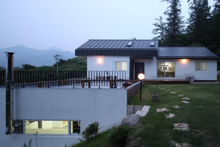 도곡리 주택: 위드하임의  정원