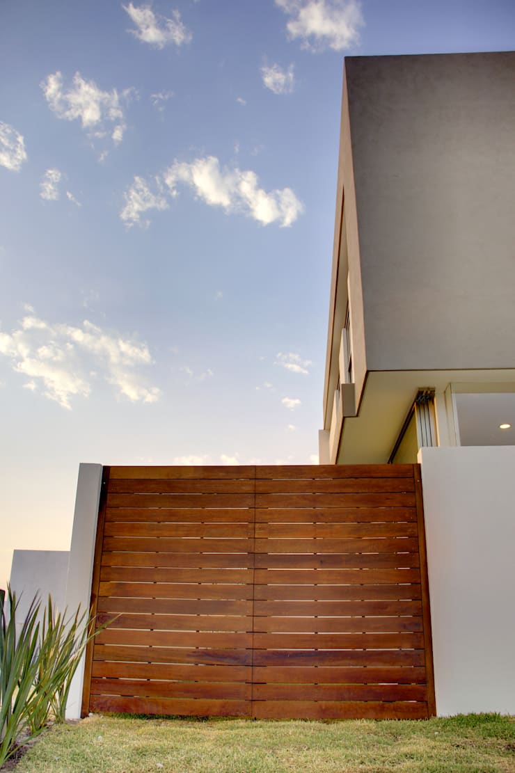 Valle Imperial 212: Ventanas de estilo  por 2M Arquitectura